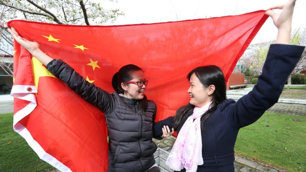 Chinese students Victoria Yang (30, on left) and Vicky Chen (35).