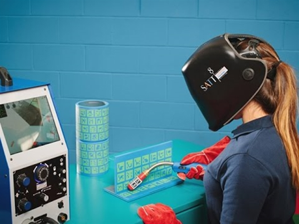 Faculty Purchases Best in AR Technology to Enchance Student Learning
