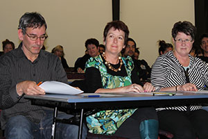 Judging panel of Jerry Hoffman, Lyndal Lludlow and Margaret Mattsen